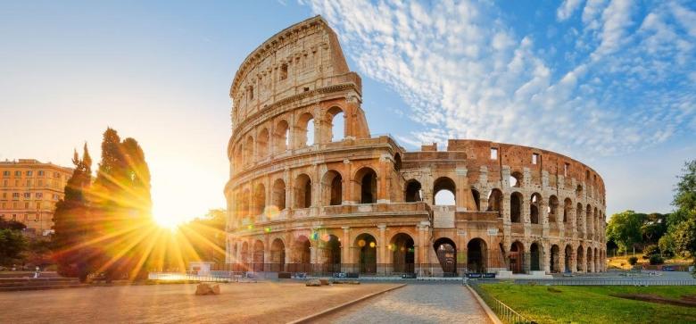 Италийн засгийн газар Милан, Венец хотуудыг бүрэн тусгаарлахаар бэлдэж байна